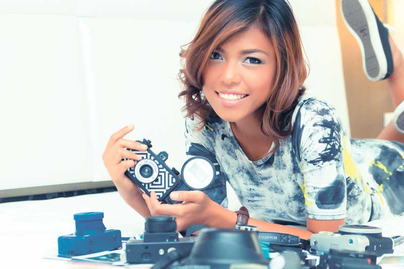 COLLECTION. Lea Duhaylungsod keeps a collection of analog and instant cameras, with varying lenses and film dimensions. Part of her collection includes known brands such as Holga, La Sardina, Diana and Canonet, plus a bunch of single-lens reflex cameras.
