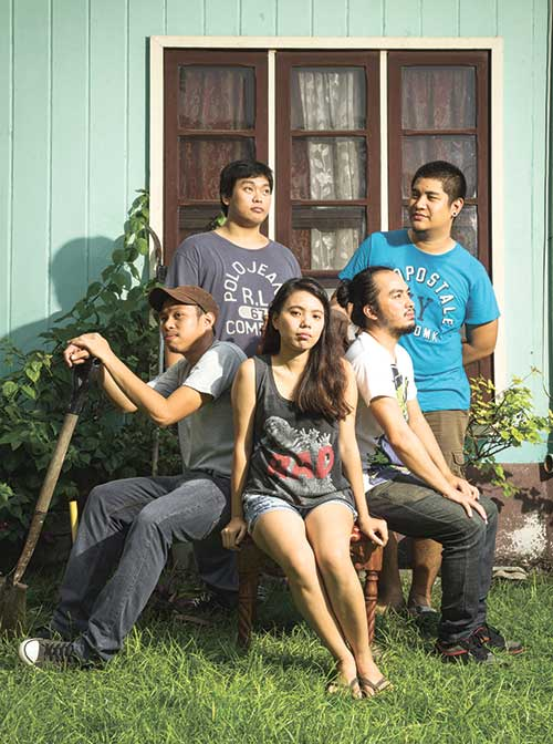 """SOUNDS FAMILIAR? Like the ubiquitous candy the Cebuano indie band was named after, Snübear's music has this """"menthol kick"""" that stays in the head long after the last note has melted away. And those in search of really good music can have their fill with Snübear's first EP, """"Anecdotes."""""""