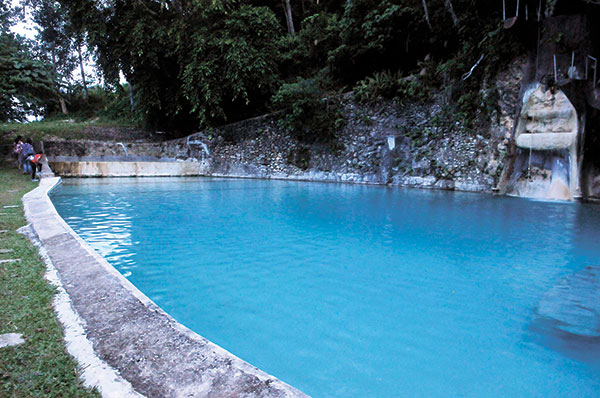 8 things to know about coal mountain resort weekend for Pool garden mountain resort argao