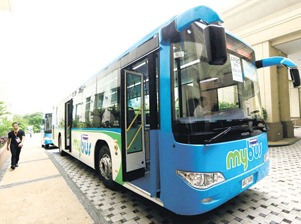 The Euro 4-certified MyBus units plying the North Reclamation Area in Cebu are said to be controlled by computers, which means limits can be set on speed, among others. (SUN.STAR FILE)