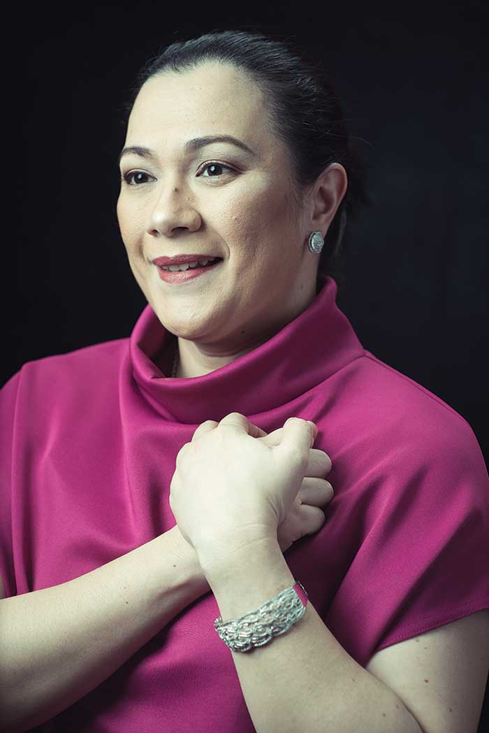 Dr. Frances dela Serna